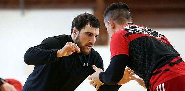5 день Чемпионата Европы по вольной борьбе. Белорусы «взяли» две медали