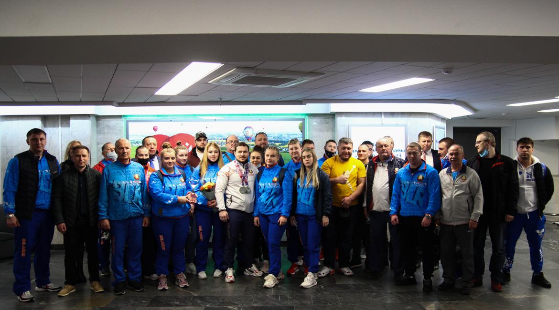 Национальная команда по тяжёлой атлетике вернулась с чемпионата Европы