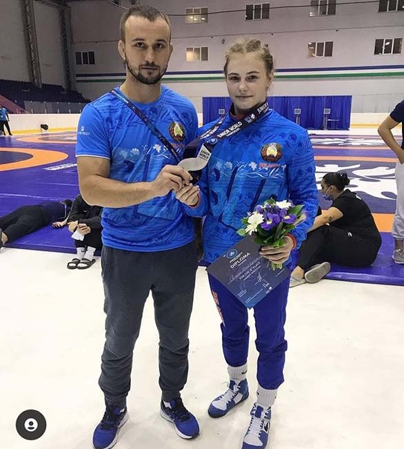Поздравляем Мартынову Арину с серебряной медалью на чемпионате мира по борьбе вольной