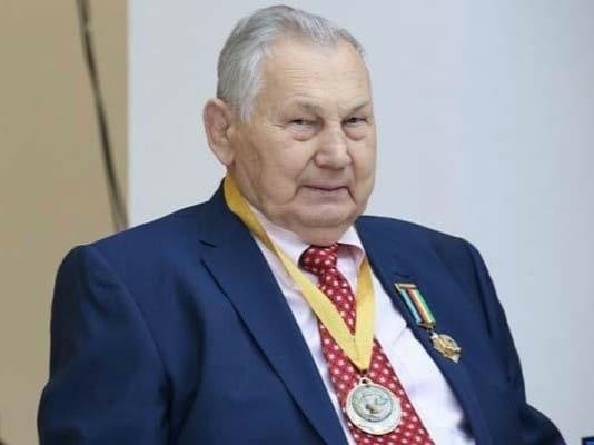 Поздравляем с Днем рождения Медведя Александра Васильевича!