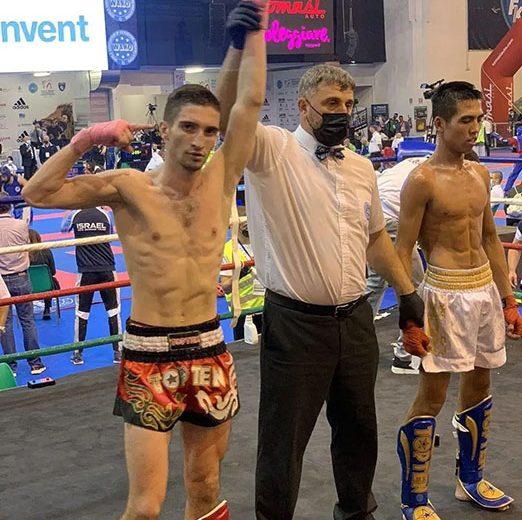 Уже сегодня Казаку Максим выйдет на ринг полуфинала чемпионата мира по кикбоксингу (г. Лидо ди Езоло)